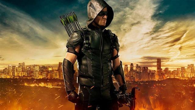 Oliver Queen Gets a Costume Upgrade in Arrow Season 4 Photo