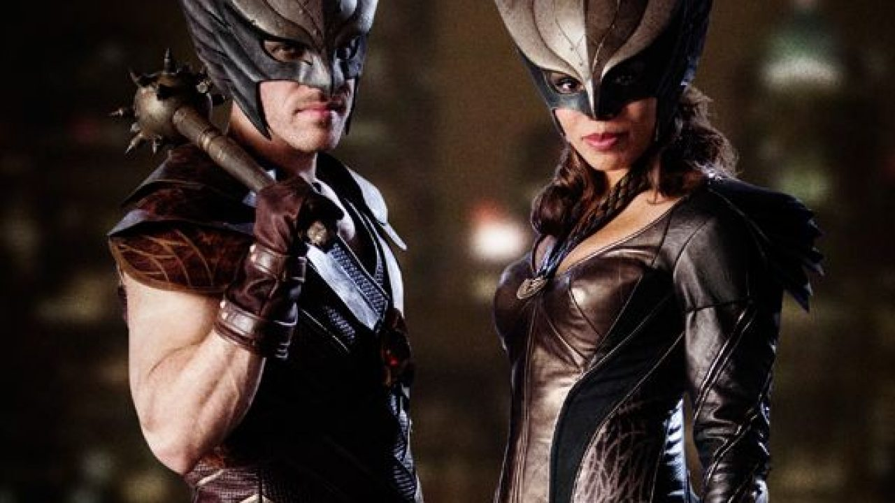 First Look At Hawkman And Hawkgirl In Dc S Legends Of Tomorrow