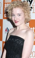 Julia Garner Joins Sin City: A Dame to Kill For